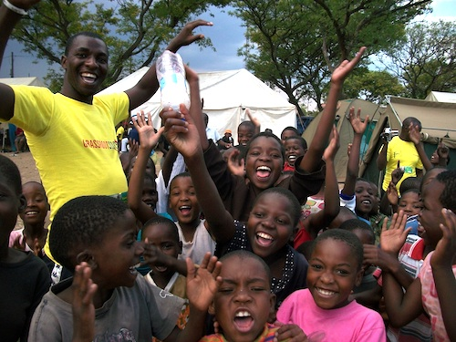 Zimbabwe VCT crowd